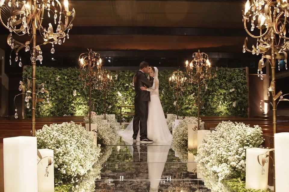 Noivos cerimônia casamento