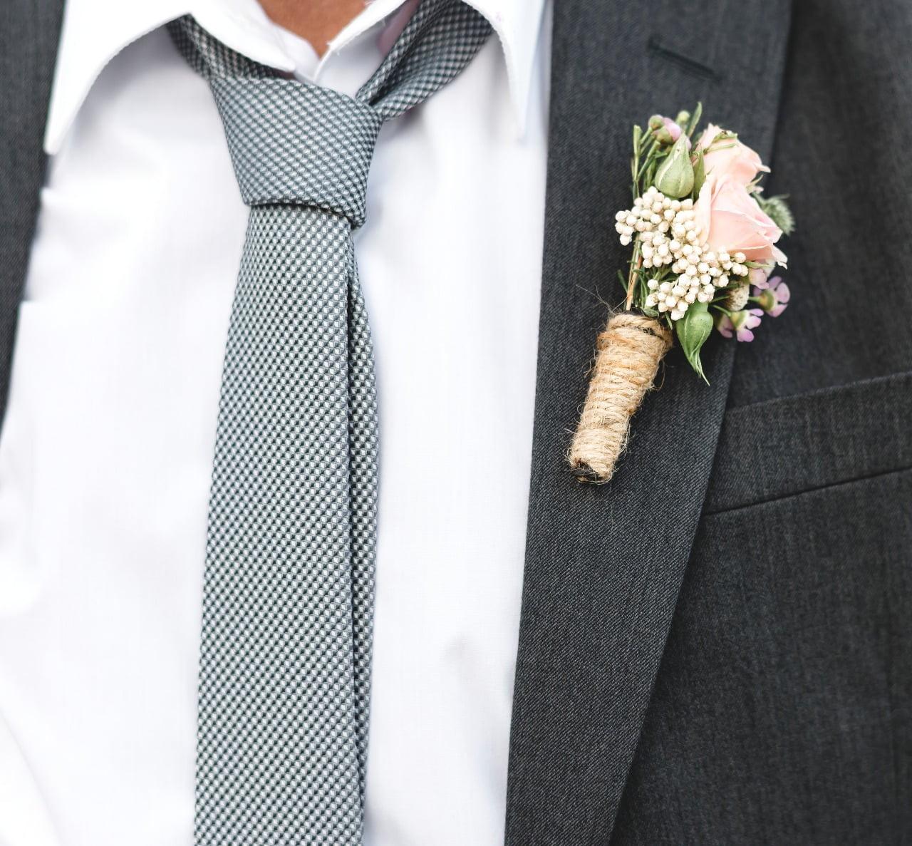 Hora da gravata no casamento – Fazer ou não?