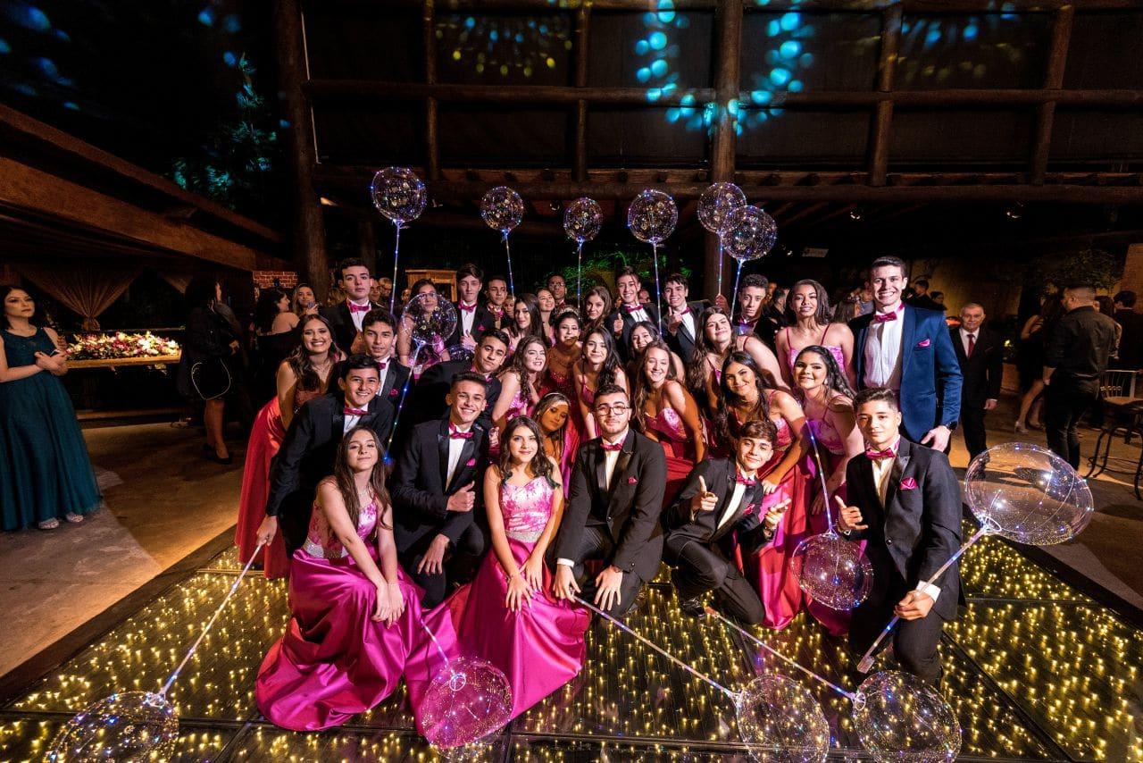 festa de debutante com padrinhos e madrinhas 15 anos