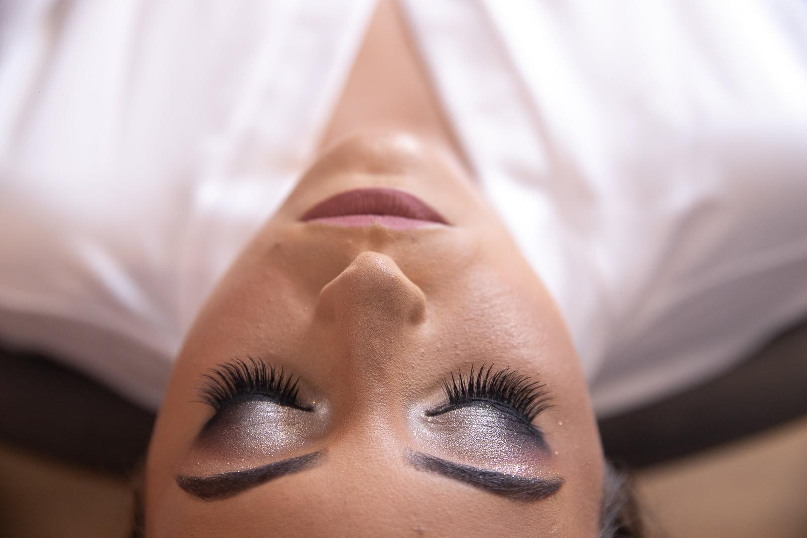 Qual look de maquiagem você deve usar para o seu casamento? Veja como decidir.