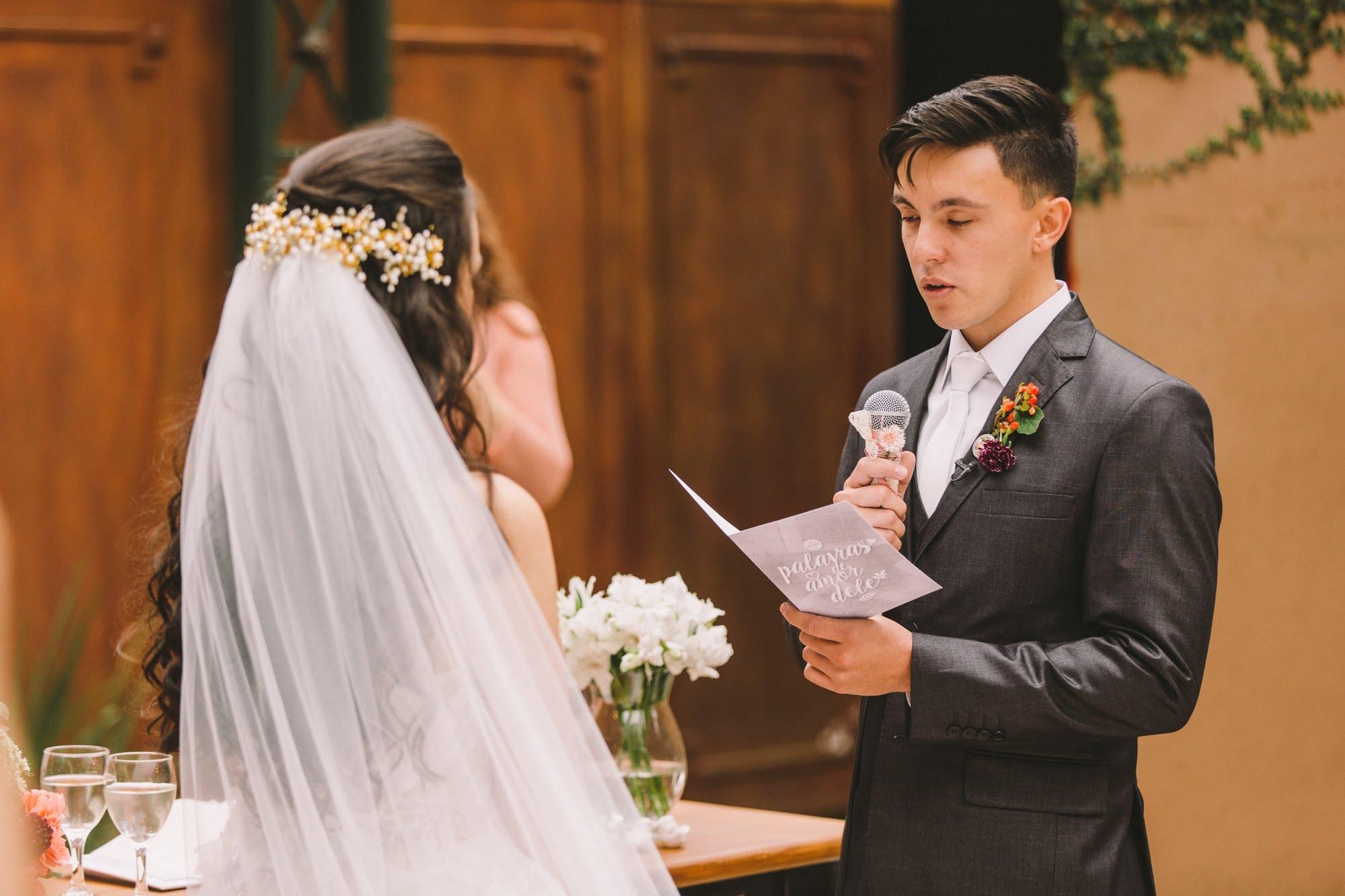 vestido de noiva com veu
